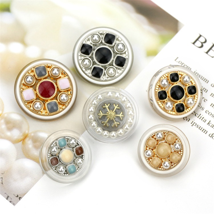 Fashionable Metal Custom Flower Shape Diamond Shank Button