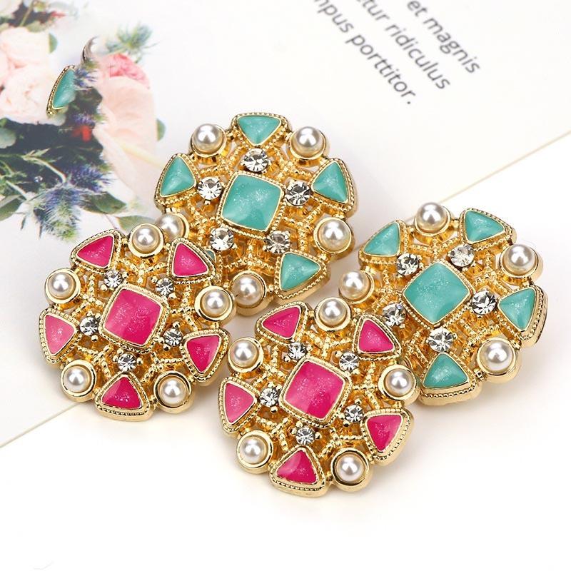 New Style Metal Flower Shape Diamond Shank Button