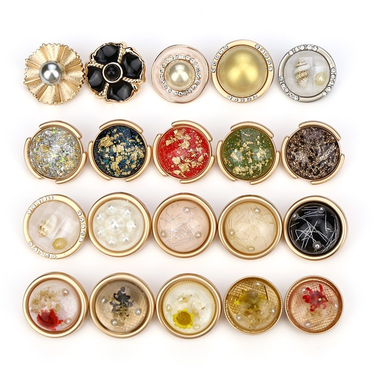 New Arrival Metal Alloy Round Rhinestone Buttons